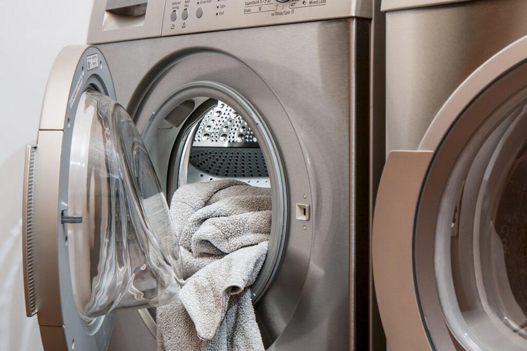 ¿sabes cómo lavar tu ropa contra el coronavirus?